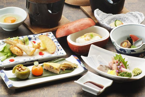 小鉢などの料理