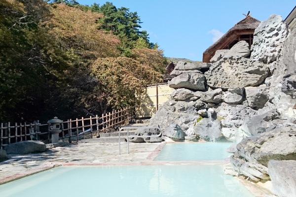 晴れの日の天渓の湯